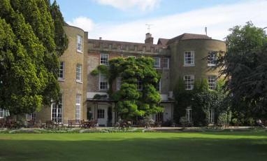 Lullebrooke Manor